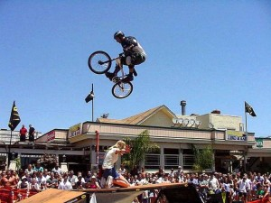 block-party-pacific-beach-bike-jumping_w725_h544